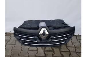 Решетка Радиатора Renault Trafic 3