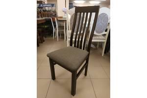Дерев'яні букові стільці в гостинну, на кухню, для кафе, для ресторану