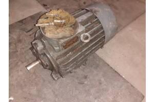 Асинхронный электродвигатель 2.2 кВт, 1400 об/мин, 380 В.