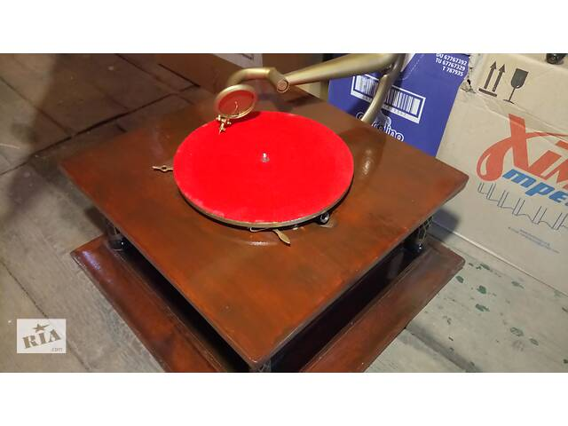 Грамофон старовинний антикваріат раритет патефон грамофон- объявление о продаже  в Чорноморську (Іллічівськ)