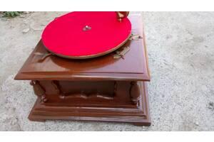 Грамофон старовинний