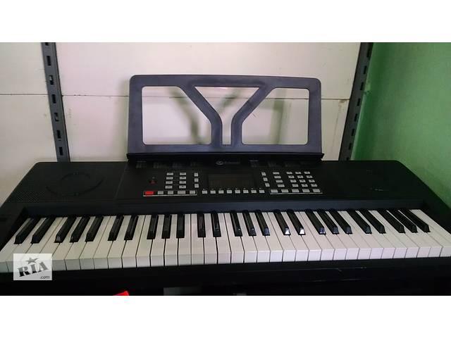 бу Продам, синтезатор-піаніно Schubert Etude 61 MK 10033244. стан нового в Луцьку