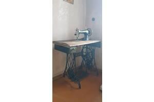 Швейная машина (Zinger) антикварная