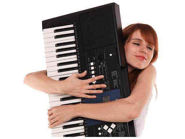 купить бу Уроки игры на синтезаторе в Киеве