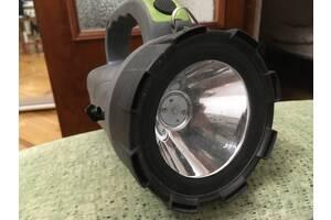 Зарядный светодиодный фонарик / Зарядное светодиодный фонарик