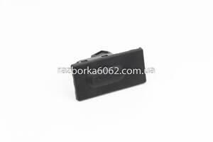 Кнопка кр.багажника Mazda 3 BM седан 2014- Mazda Другие модели BHN156800 (26470)