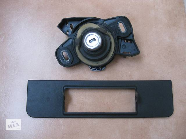купить бу Кнопка замка крышки багажника для легкового авто Opel Vectra C в Львове