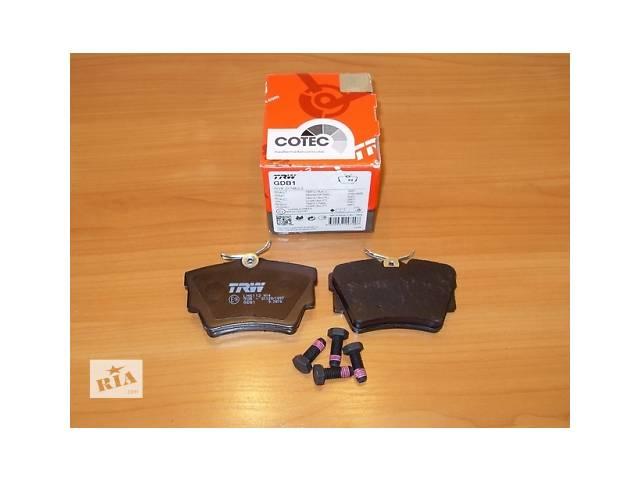 купить бу Комплект задних тормозных колодок  TRW  Германия  на 1.9 / 2.0 / 2.5dci - RENAULT TRAFIC / OPEL VIVARO в Луцке