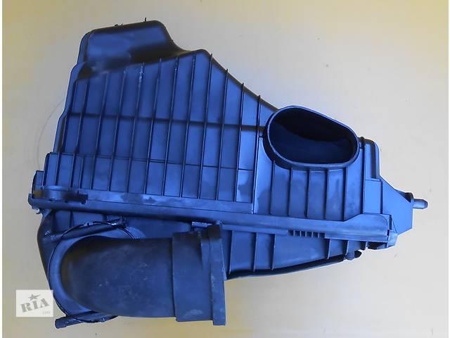 бу  Корпус воздушного фильтра для легкового авто Volkswagen Touareg в Ровно