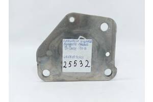 кронштейн усилителя переднего правый Dodge Dart `14-16 , 68187810AB