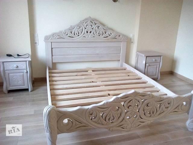 купить бу Кровать тумбочки и комод из массива дуба в Богородчанах