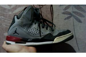 б/в Чоловічі кросівки Jordan