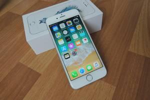 Нові Іміджеві мобільні телефони Apple Apple iPhone 6S