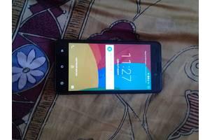 Новые Сенсорные мобильные телефоны Prestigio