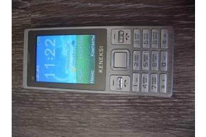б/у Мобильные на две СИМ-карты Keneksi