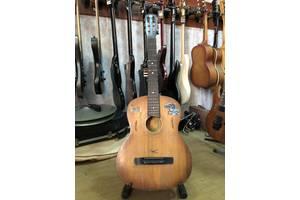 б/в Класичні гітари