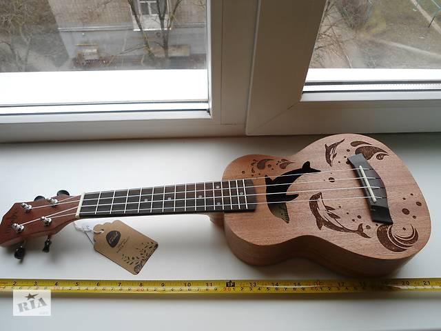 продам Гавайская гитара-Укулеле. бу в Бердянске