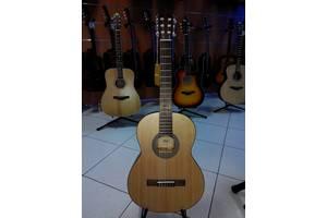 Нові Класичні гітари Cort