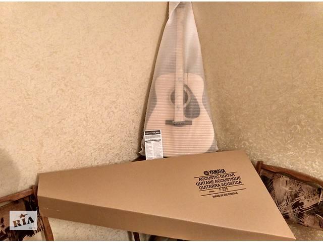 купить бу Yamaha F335 Acoustic Guitar Natural Новая в Кривом Роге