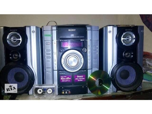 бу музыкальный центр Sony c 3 CD диск 2х кассетным магнитофоном FM Radio колонками ..... в Киеве