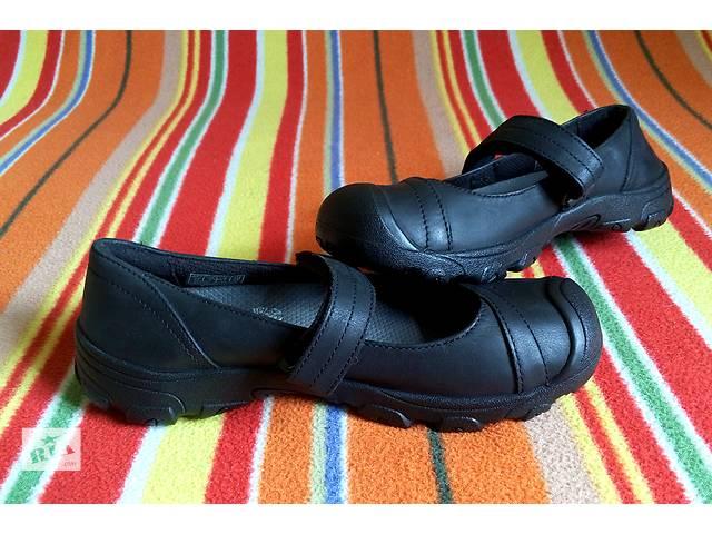 купить бу Новые КОЖА школьные KEEN Американские туфли девочек отличниц р 31 32 в Киеве