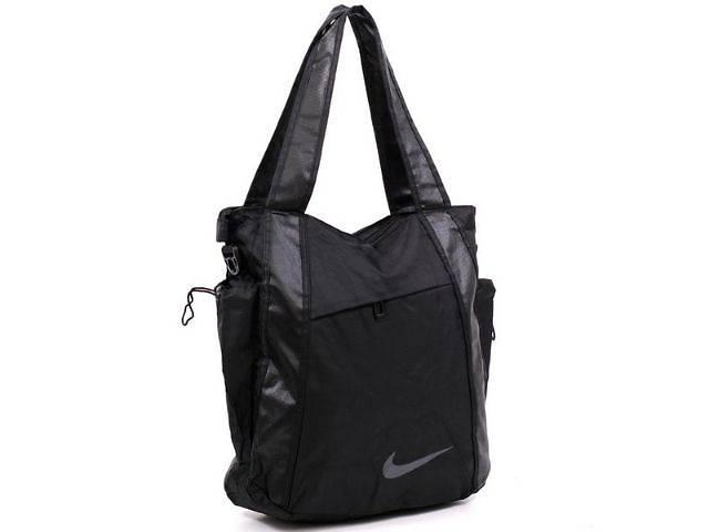 2785d9b566e1 продам Очень удобная спортивная женская сумка Adidas. Для тренировок и на  каждый день. бу