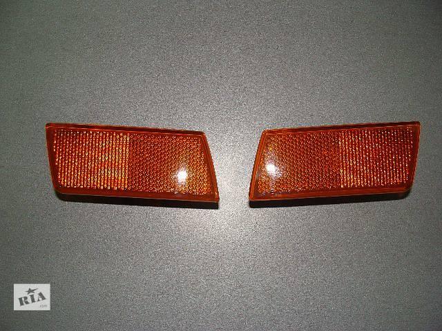 купить бу Новый поворотник/повторитель поворота в бампер (правый,левый) для легкового авто Chrysler 300 С 2005 в Киеве