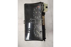 Панель приборов, спидометр, тахограф, топограф  Volkswagen Golf II, отломана стрелка тахометра