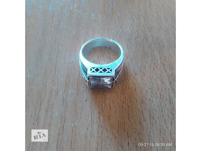 перстень с камнем серебро продам- объявление о продаже  в Киеве