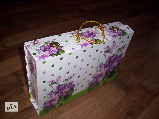 продам Подарочная коробка чемодан подарочный упаковка для сервиза кейс бу в Хмельнике (Винницкой обл.)