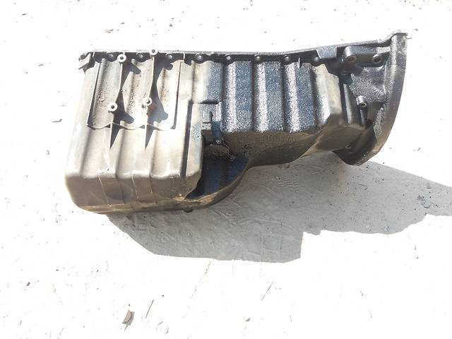купить бу Поддон масляный для Mercedes Sprinter 2.2 bi-turbo 646 в Ковеле