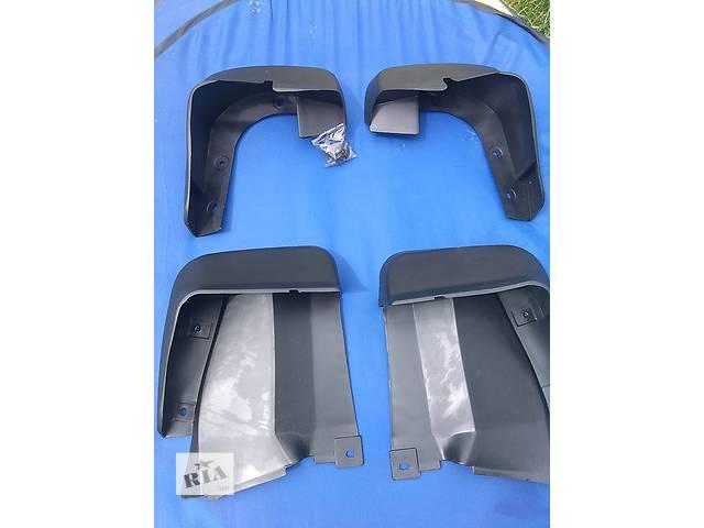 купить бу Продам брызговики Honda Civic хонда цивик сивик 4d. 08P09SNB600 и 08P08SNB600 Неоригинал, подходят по всем креплениям. в Ровно