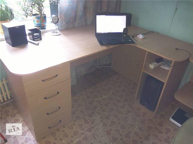 продам Продам современный мебельный комплект - шкаф, стол, кровати, тумба бу в Харькове