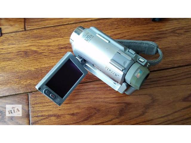 продам Продам видеокамеру Sony Handycam DCR-HC30E бу в Шепетовке