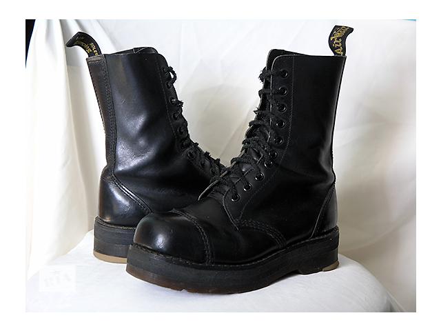 Продам ботинки Dr.Martens - Женская обувь в Киеве на RIA.com 8f9b48e337805