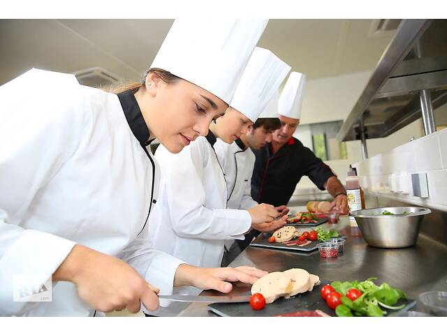 Повар помощник-повара- объявление о продаже  в Ровно