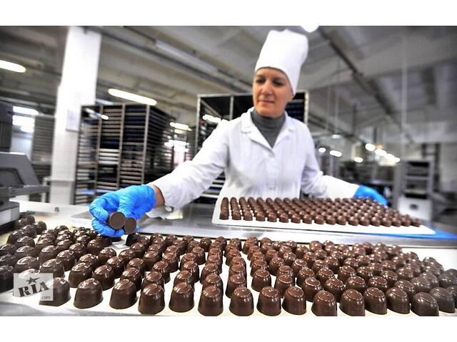бу Рабочие на шоколадную фабрику Ludwig Schokolade Beteiligungs GmbH в Ровно