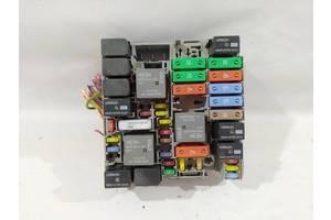 распределительная коробка предохранителей Chrysler 200 `15-17 , 68209780AC