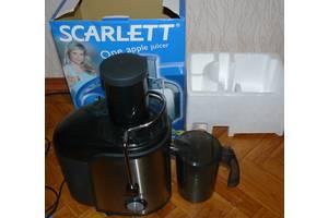 б/в Електричні соковижималки Scarlett