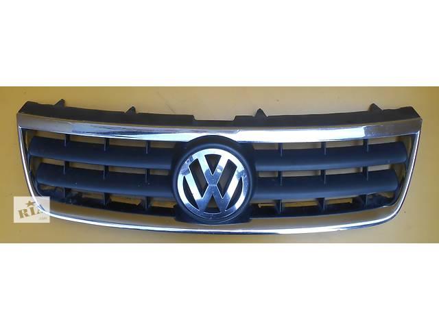 купить бу Решётка радиатора решітка радіатора Volkswagen Touareg Туарег 2002 - 2006 в Ровно