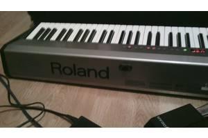 б/в Цифрові піаніно Roland