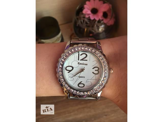 бу Роскошные женские кварцевые часы в Херсоне