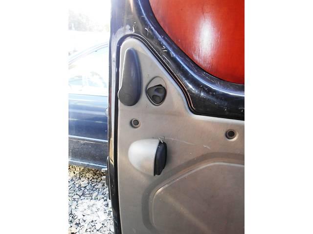 купить бу Ручка сдвижной двери внутреняя Opel Vivaro Опель Виваро Renault Trafic Рено Трафик Nissan Primastar в Ровно