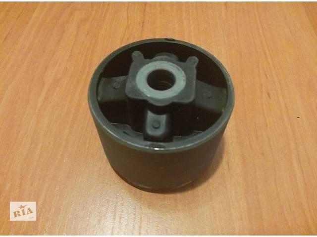 Сайлентблок подушки двигателя верхней Vivaro/Трафик/Trafic1.9DTI 01-- объявление о продаже  в Львове