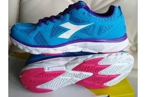 Нові Кросівки Diadora