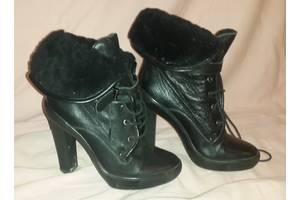 б/в Жіночі черевики і напівчеревики Braska