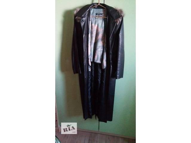 купить бу Срочно!Продам кожаное пальто с мехом чернобурки! в Киеве