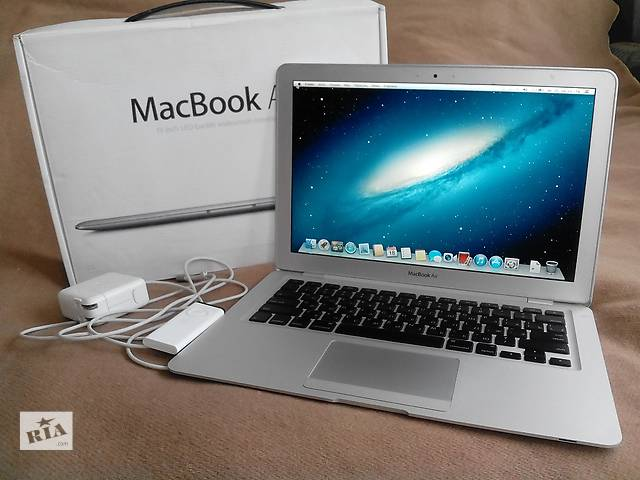 Срочно продам топовый ультрабук Macbook Air полный комплект- объявление о продаже  в Киеве