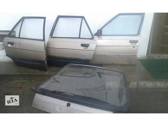 купить бу Стекло двери для хэтчбека Renault 11 в Шумске