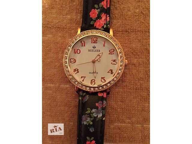 продам Стильные часы  бу в Киеве